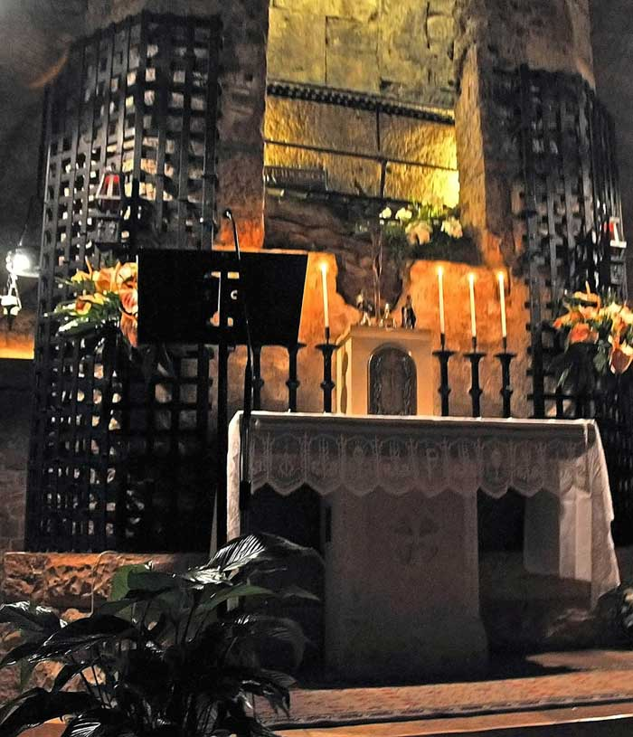 Tomb of St Francis, Basilica of St Francis, Assisi, Italy